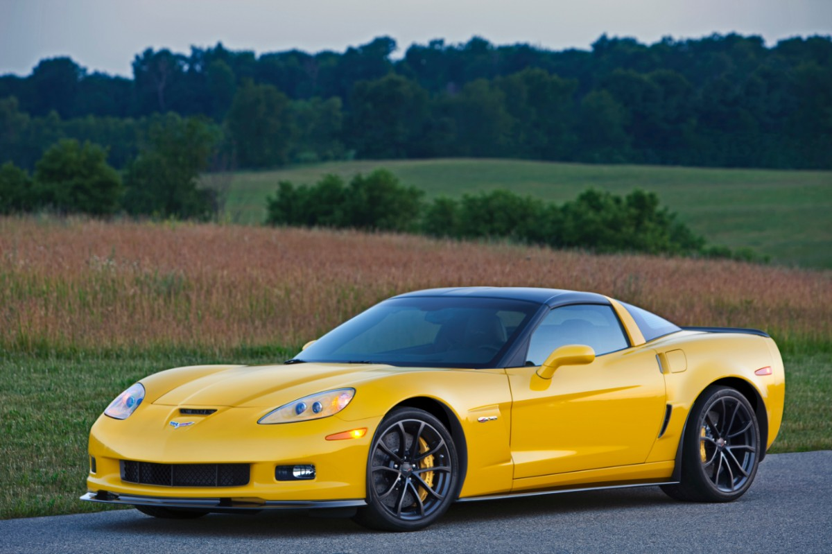 2013-Chevrolet-Corvette-Z06-071-medium