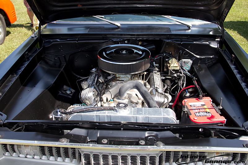 Plymouth-Duster-engine