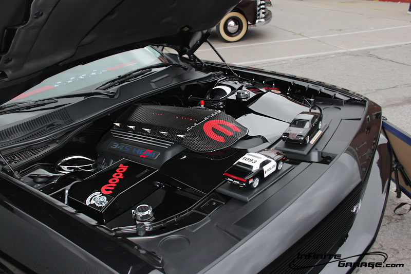 Dodge-Challenger-custom-engine-cover