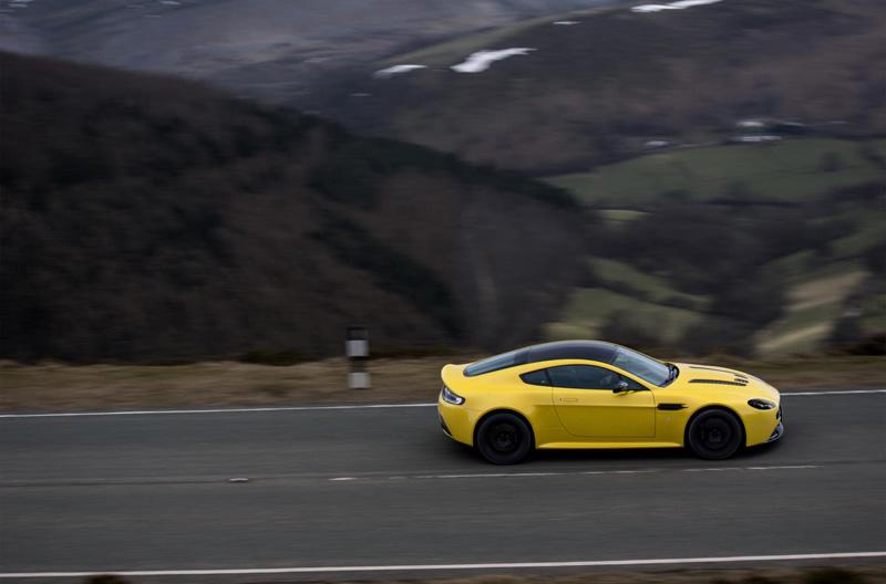 Aston-Martin-V12-Vantage-S-3