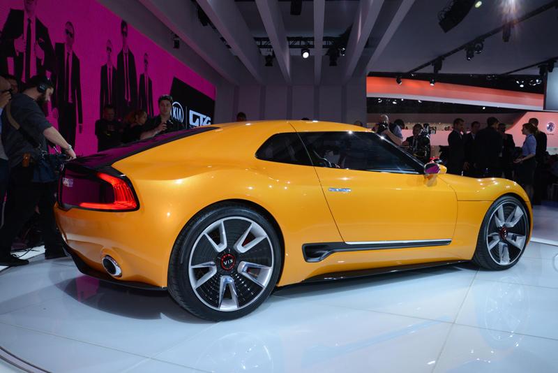 Kia-GT4-Stinger-profile