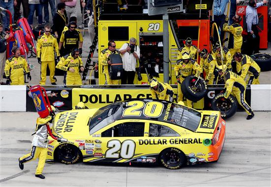 Kenseth backwards in the pits