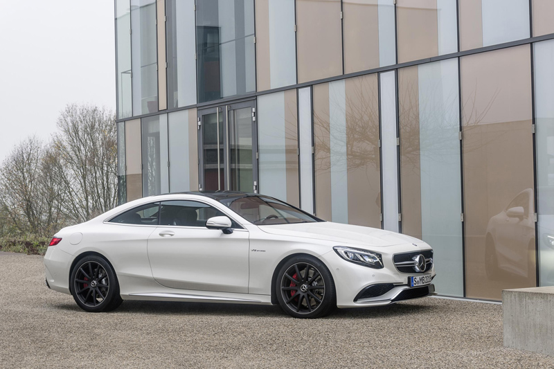 220874_2015-S63-AMG-4MATIC-Coupe-03