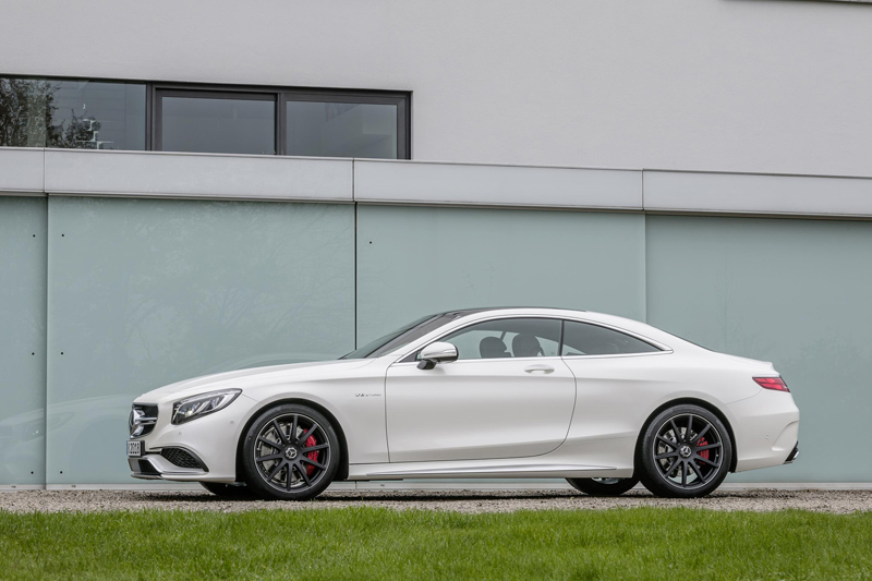 220894_2015-S63-AMG-4MATIC-Coupe-09