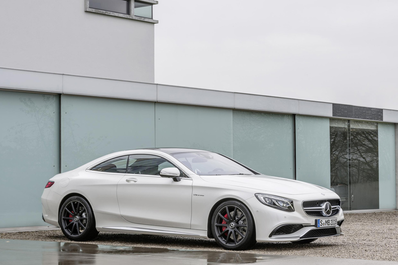 220896_2015-S63-AMG-4MATIC-Coupe-08