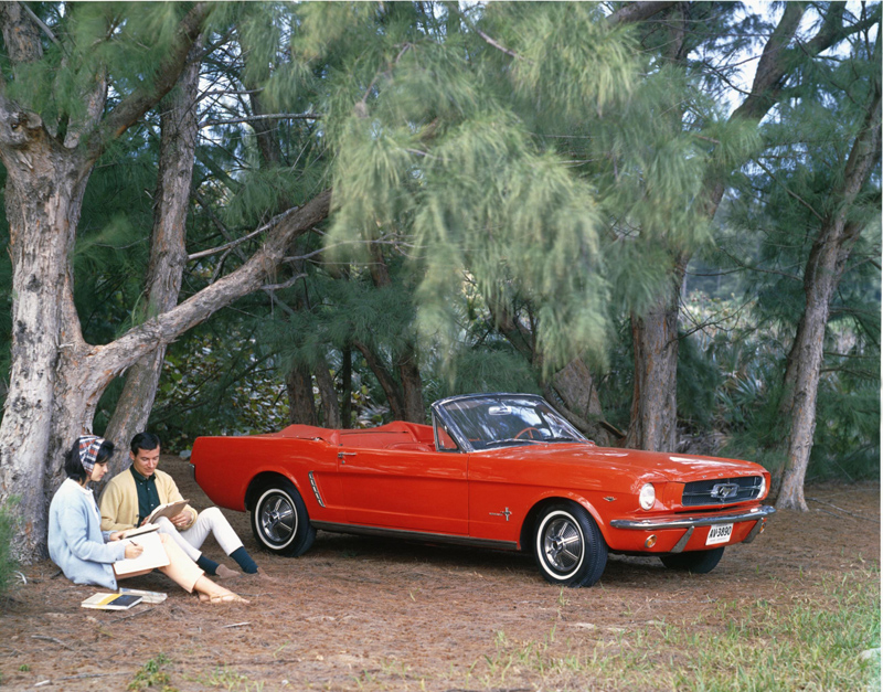 221983_22_1965_(early)_Ford_Mustang_convertible_neg_CN2400-414