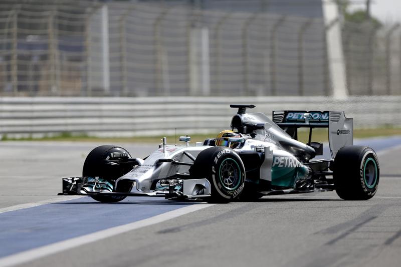 Lewis Hamilton (Mercedes) on track with P Zero White medium tyres