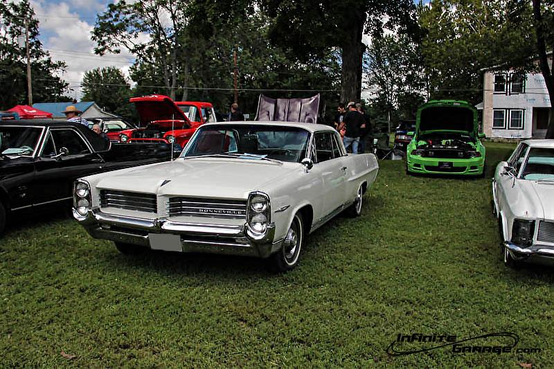 Classic-Pontiac-Bonneville