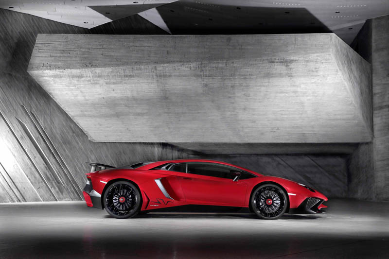312386_Lamborghini Aventador LP 750-4 Superveloce_Side